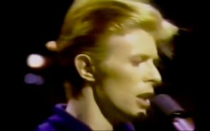 David Bowie performs 'Five Years' on Dinah!