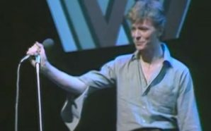 "David Bowie performing ""Heroes"" on Top of the Pops in 1977"