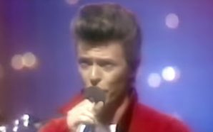 David Bowie performs 'Ashes To Ashes' on the Tonight Show in 1980