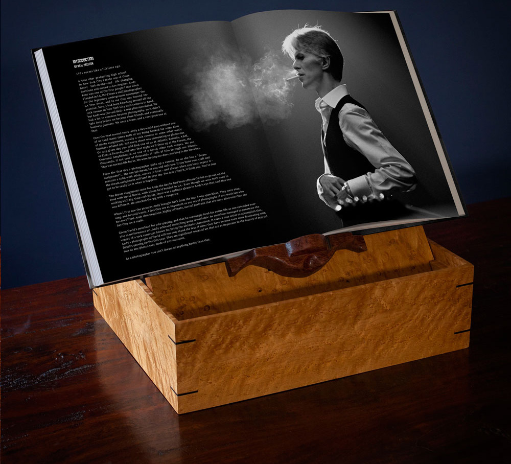 'David Bowie: Behind The Curtain' by Andrew Kent - Collector's Box