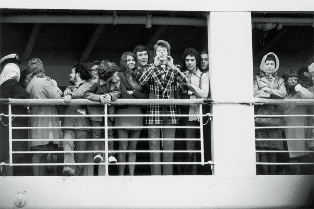 Geoff MacCormack and David Bowie onboard an ocean liner